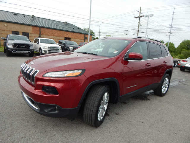 Pre-Owned 2017 Jeep Cherokee LIMITED 4W