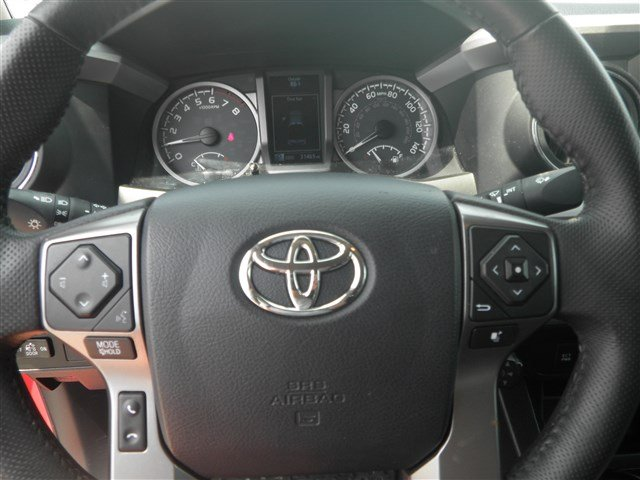 Pre-Owned 2017 Toyota Tacoma 4WD SR5