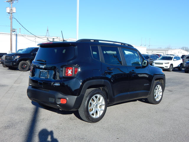 Pre-Owned 2018 Jeep Renegade LAT FWD
