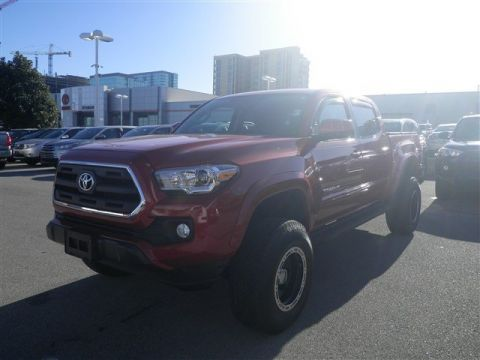 Pre-Owned 2017 Toyota Tacoma 4X4